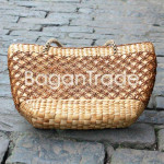 Women handbag made of water hyacinth
